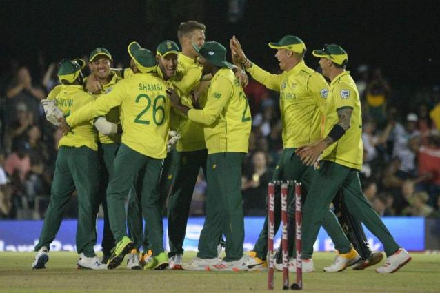 South Africa bowl first in second T20I against England