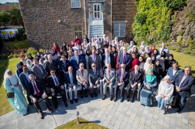 Al Maktoum College in Dundee celebrates graduation of 29th multiculturalism programme