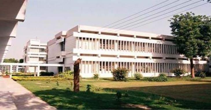 Faisalabad Medical University Faisalabad (FMU) issues guidelines for doctors, staff to prevent from COVID-19