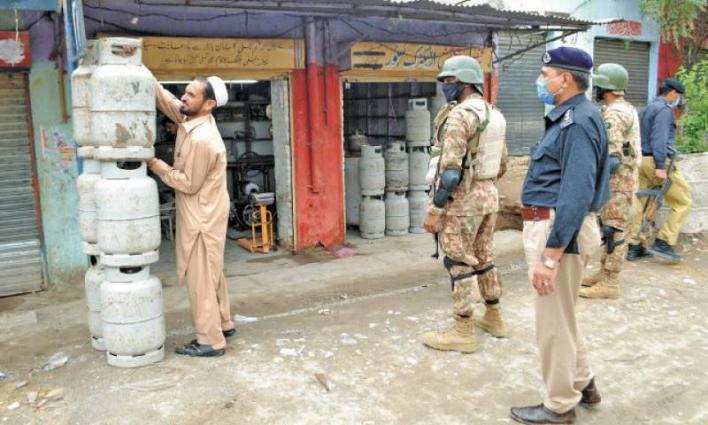 Several shopkeepers held for violating lockdown