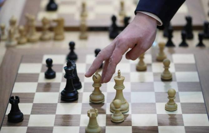 Russia suspends outlier chess tournament over virus