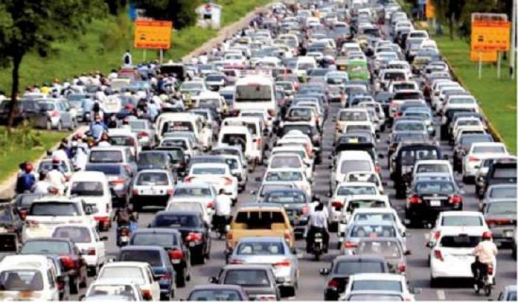 Vehicles, bikes' queues at Faizabad check-post hamper smooth traffic flow