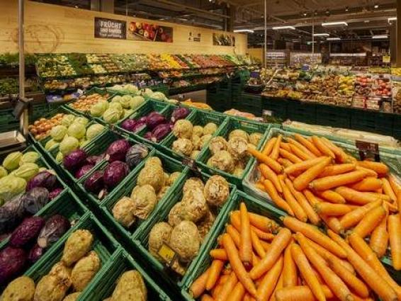 Swiss consumer prices fall by 0.5 percent