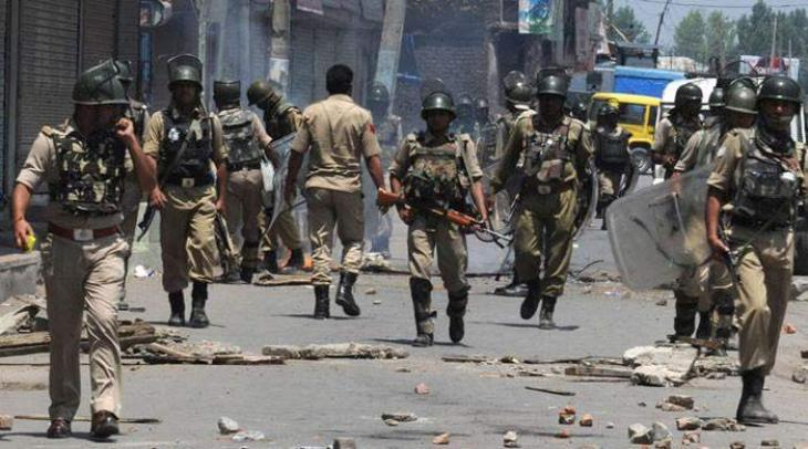 Kashmiris pelted stones on Indian troops in IOK