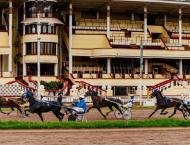 Horce racing back on track as Moscow lockdown eases