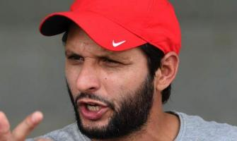 Afridi comes to aid of IOK cricketer