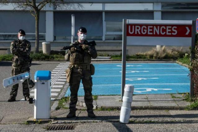 French military races for recruits after lockdown setback