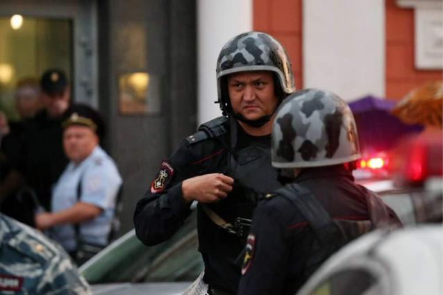 Police Holding Talks With Suggested Hostage Taker at Moscow Bank - Emergency Services