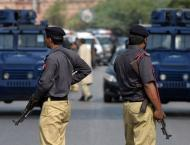 Constable martyrs, 9 injure in police operation