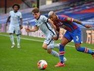 Chelsea midfielder Gilmour suffers major injury blow