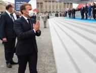 Macron wants face masks mandatory indoors as virus picks up