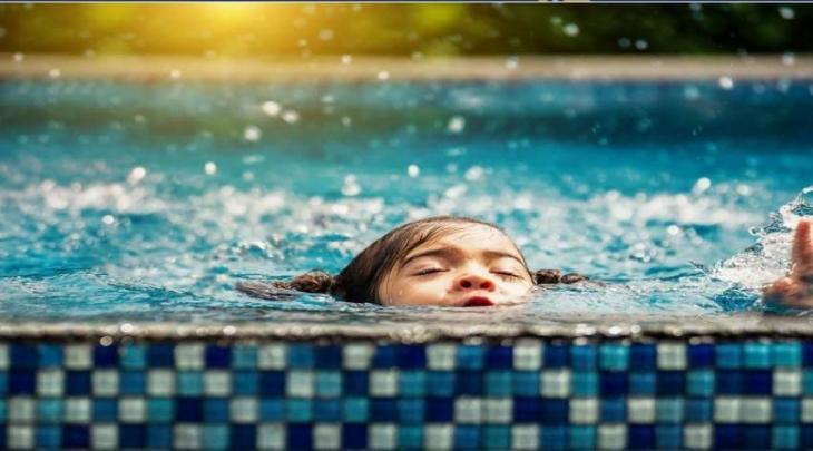 شرطة أبوظبي: 5 خطوات لتجنب غرق الأطفال بالمسابح