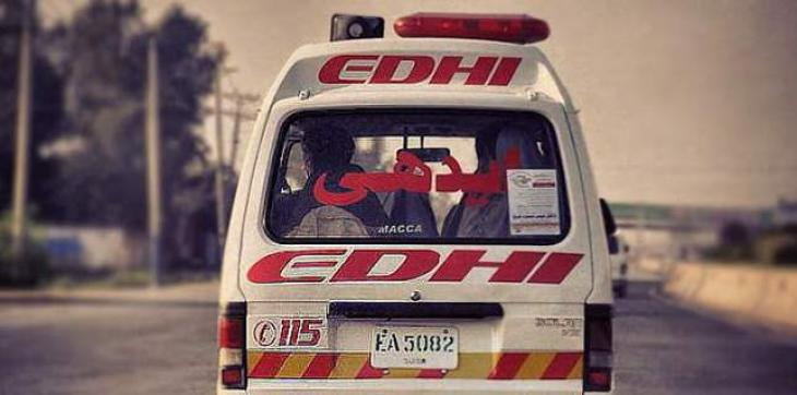 Four injured in accident near Defence Mor Karachi