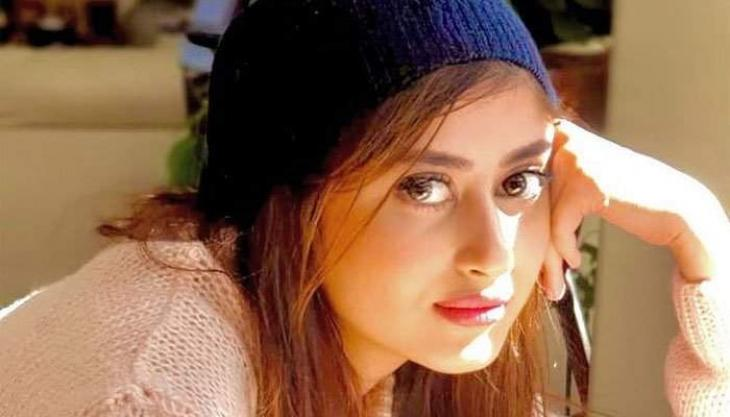 Sajal Aly urges Pakistani women folks to be brave to meet challenges of life