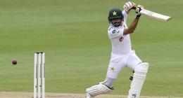 Pakistan keep England at bay in tricky session
