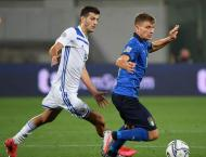 Italy edge Netherlands to move top, Poland win in Bosnia