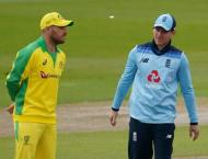 England bowl in 1st ODI as Australia's Smith misses out with head ..