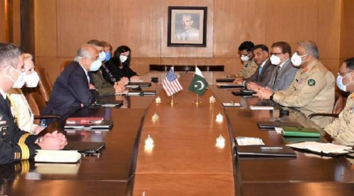 رئیس أرکان الجیش الباکستاني الجنرال قمر جاوید باجوا یستقبل الوفد الأمریکي