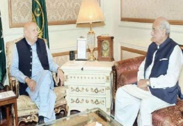 Interior Minister calls on Governor Punjab