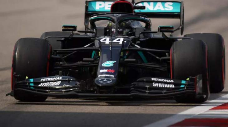 Hamilton back on top ahead of Bottas in Sochi practice