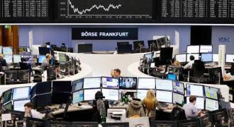US stocks join global selloff on virus fears, Dow -3%