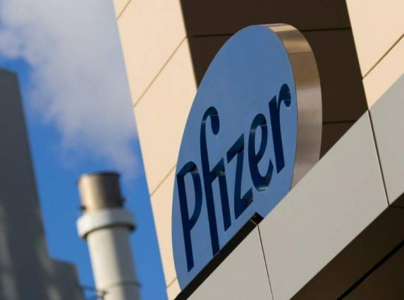 Pfizer reports lower earnings as Covid-19 hits revenues