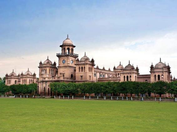 KP CS inspects uplift work in Islamia College