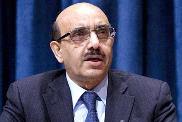 AJK President asks students to acquire knowledge for Pakistan