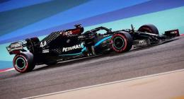 Lewis Hamilton takes Bahrain Grand Prix pole