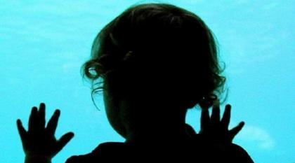 طفلة ھندیة تتعرض لاغتصاب جماعي و نزع کبدھا فی منطقة کانبور ناجار