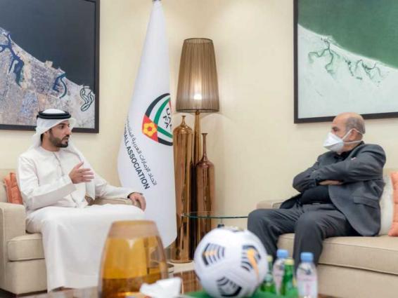 راشد بن حميد يستقبل نائب رئيس الاتحاد العربي لكرة القدم