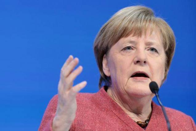 German Gov't to Assess Effect of COVID-19 Restrictions Before Christmas - Merkel