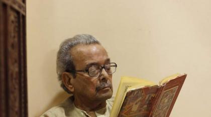 وفاة الشاعر الباکستاني شمس الرحمن فاروقي عن عمر ناھز 85 عاما