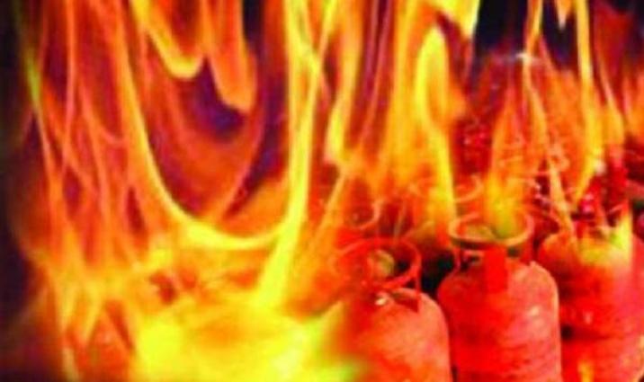 Three injured in gas cylinder explosion