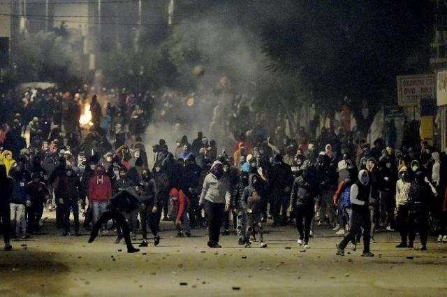 Tunisia mothers decry wave of 'arbitrary' arrests after unrest