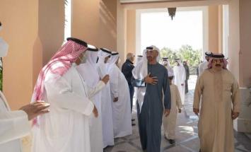 ملك البحرين يستقبل محمد بن زايد وحمدان ..