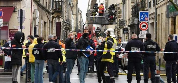 Three hurt, two missing in Bordeaux building explosion