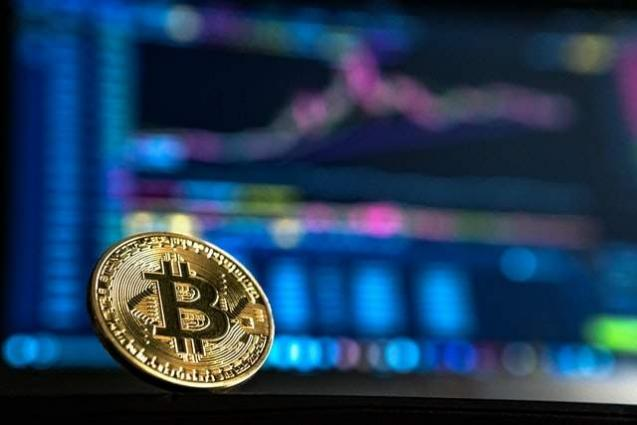 Stocks struggle but bitcoin shines