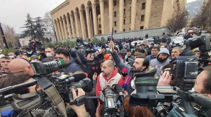 Seventeen Injured in Tbilisi Police Raid to Arrest Opposition Figure Melia - Ministry