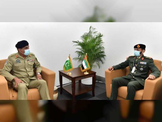 نائب قائد القوات البرية يستقبل رئيس هيئة الأركان المشتركة الباكستانية بمعرض آيدكس