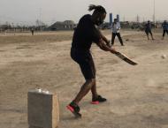 Daren Sammy plays street cricket in Lahore