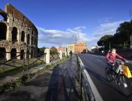 Italy to reopen schools, ease lockdown in Rome region