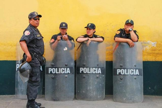 Peruvian Police Raid Homes of Their Colleagues Suspected of Corruption - Reports