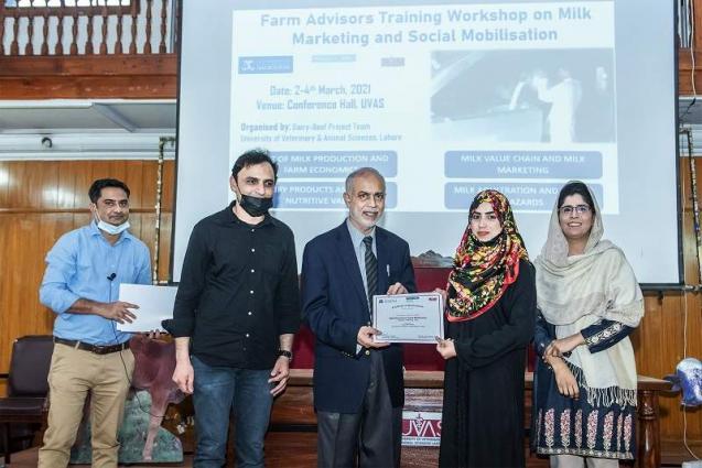 "Farm Advisory Training Workshop on ""Milk Marketing and Social Mobilization"" concludes"