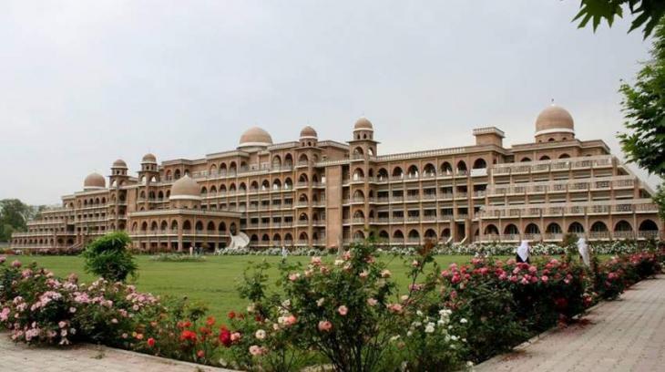 Peshawar Uni asks students to observe dress code thumbnail