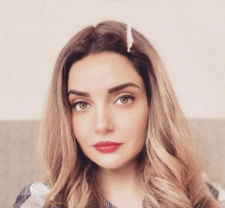 Armeena Khan wishes Intl' Women's Day to incredible women