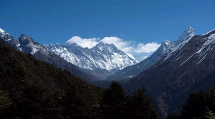 Nepal relaxes quarantine rules ahead of Everest season