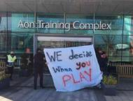 Man Utd fans breach training ground security to protest against G ..