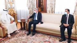 نهيان بن مبارك يبحث مع وزير خارجية باكستان تعزيز التعاون