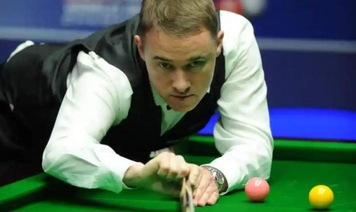 Hendry beats White in World Snooker Championship qualifying